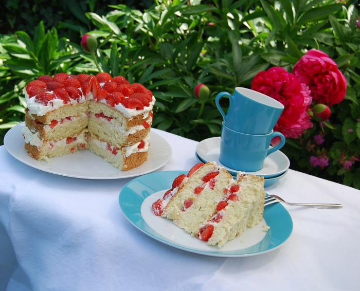 Strawberry and Cream Gateau