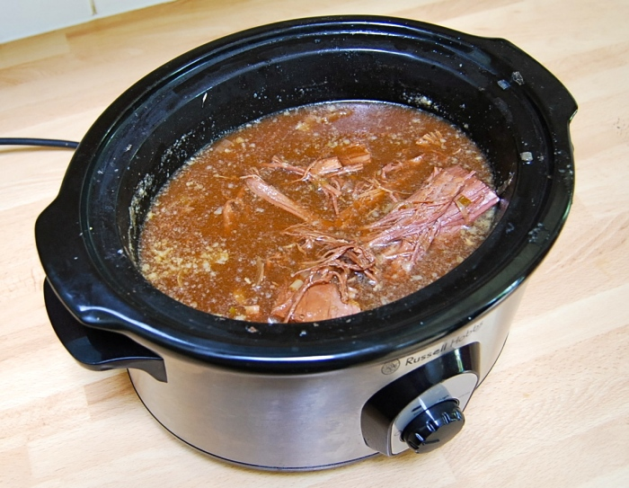 The slow-cooked meat after 7 hours: ready to use!