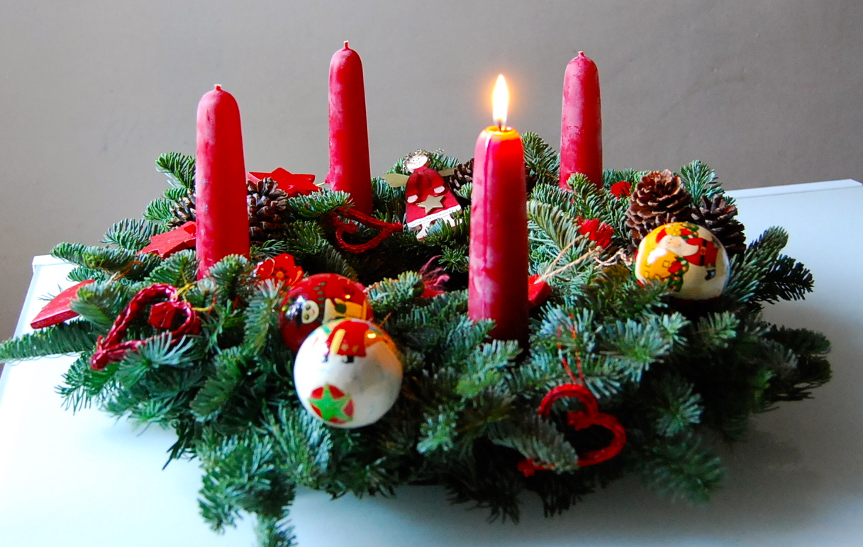 advent preparing for christmas. Black Bedroom Furniture Sets. Home Design Ideas