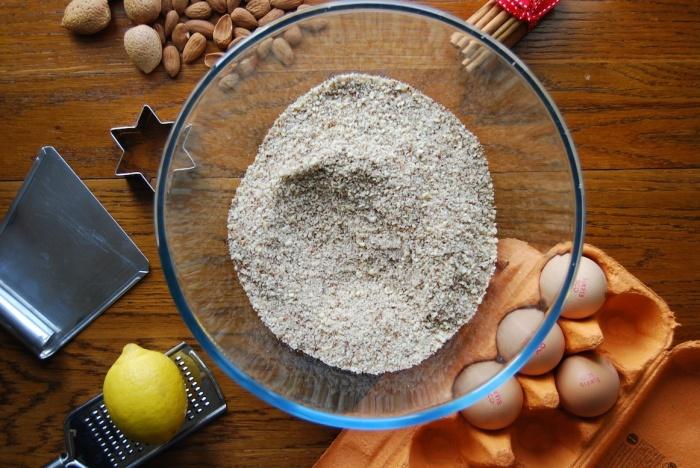 Cinnamon stars ground almonds