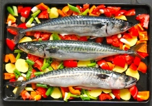Oven-baked mackerels raw